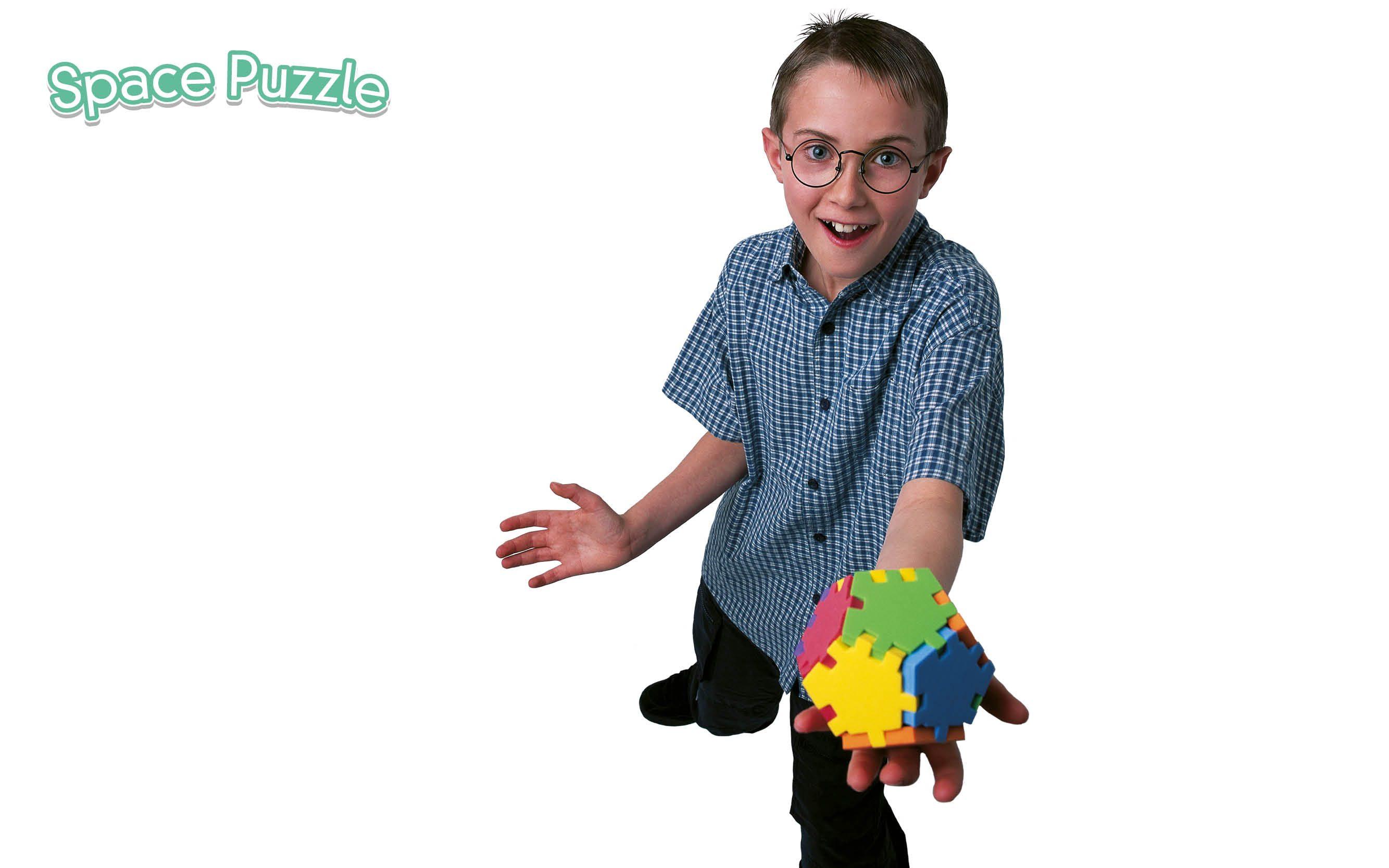 Happy_SpacePuzzle_smart_boy